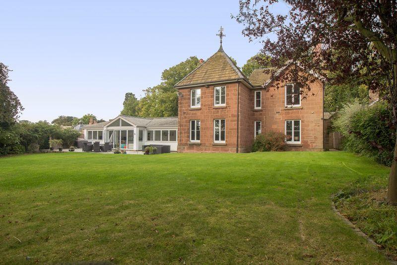 4 Bedrooms Detached House for sale in Puddington Lane, Puddington, Cheshire