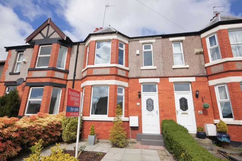 3 Bedrooms Terraced House for sale in Poll Hill Road, Heswall