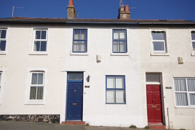 2 Bedrooms Terraced House for sale in The Mount, Lower Heswall
