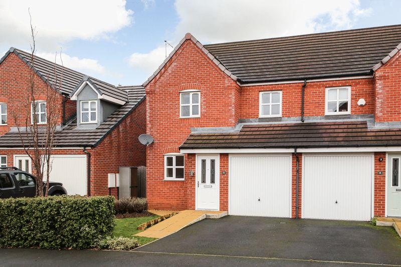 3 Bedrooms Semi Detached House for sale in Davy Road, Abram