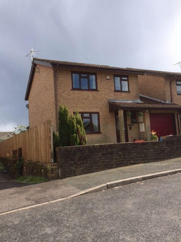 3 Bedrooms House for sale in 1 Fairmeadows, Maesteg