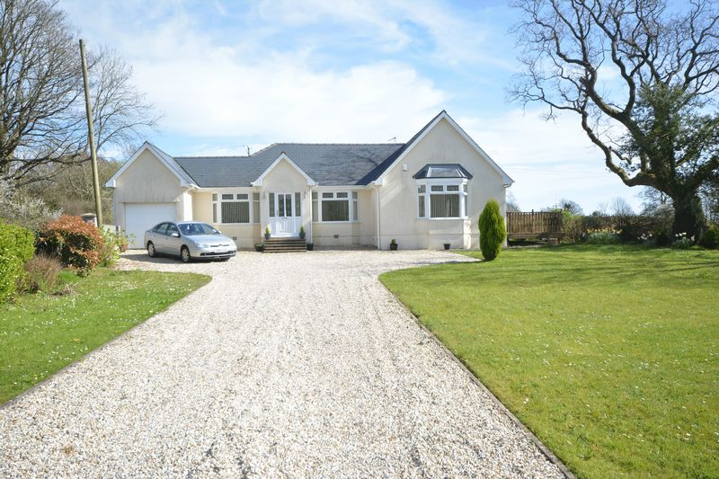 5 Bedrooms Detached Bungalow for sale in Court Colman Road, Bridgend