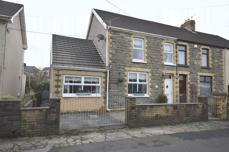 4 Bedrooms Semi Detached House for sale in Heol Canola, Bridgend