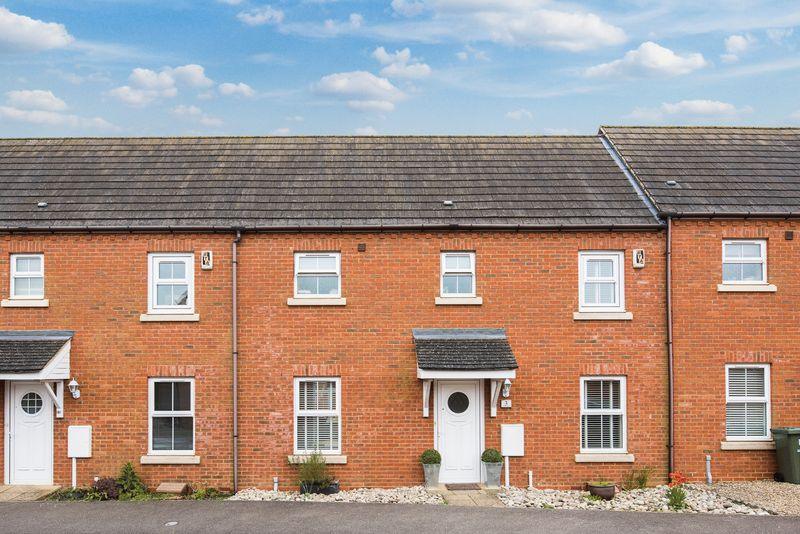 3 Bedrooms Terraced House for sale in Ultra Avenue, Bletchley Park, Milton Keynes
