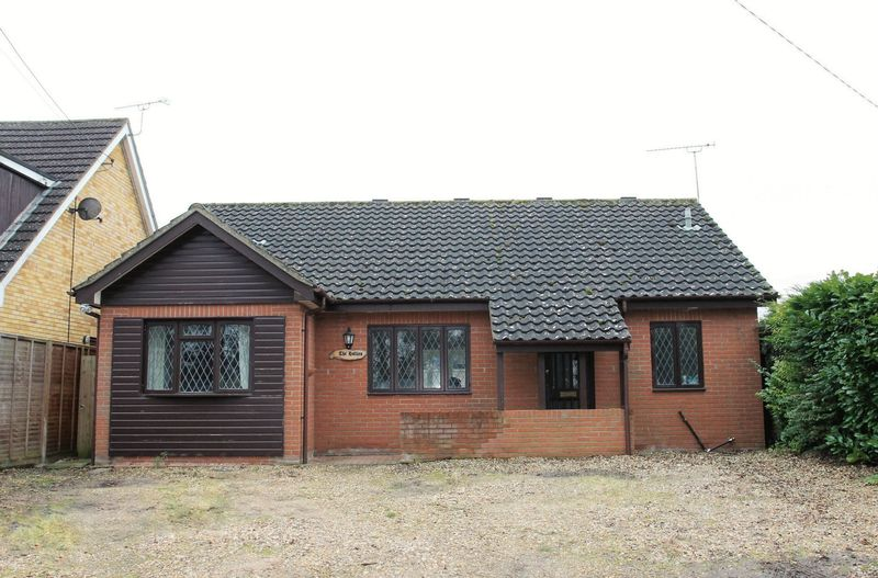 2 Bedrooms Detached Bungalow for sale in Livermere Road, Bury St. Edmunds