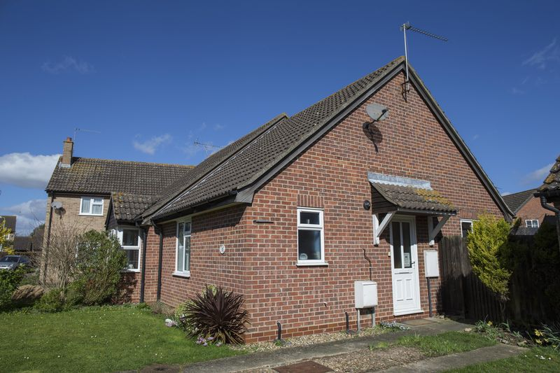 1 Bedroom Semi Detached Bungalow for sale in Lofft Close, Stanton