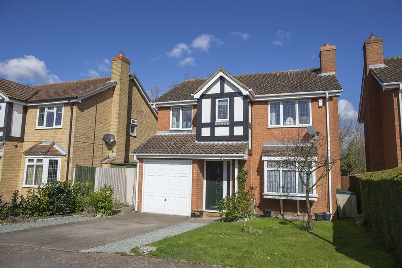 4 Bedrooms Detached House for sale in Thistledown Drive, Ixworth