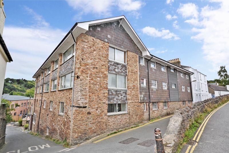 2 Bedrooms Flat for sale in The Grove, Totnes