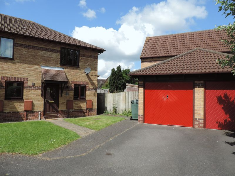 2 Bedrooms House for sale in Conifer Drive, Bicester