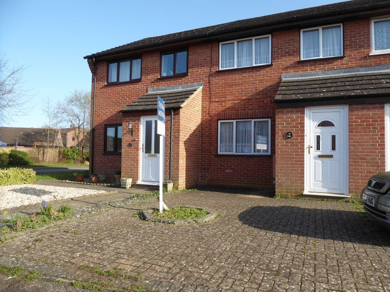 3 Bedrooms Terraced House for sale in Beverley Gardens, Bicester