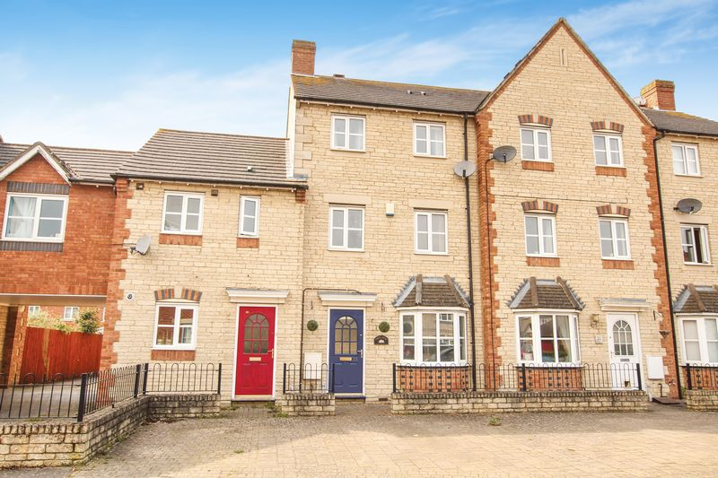 3 Bedrooms House for sale in Mallards Way, Bicester