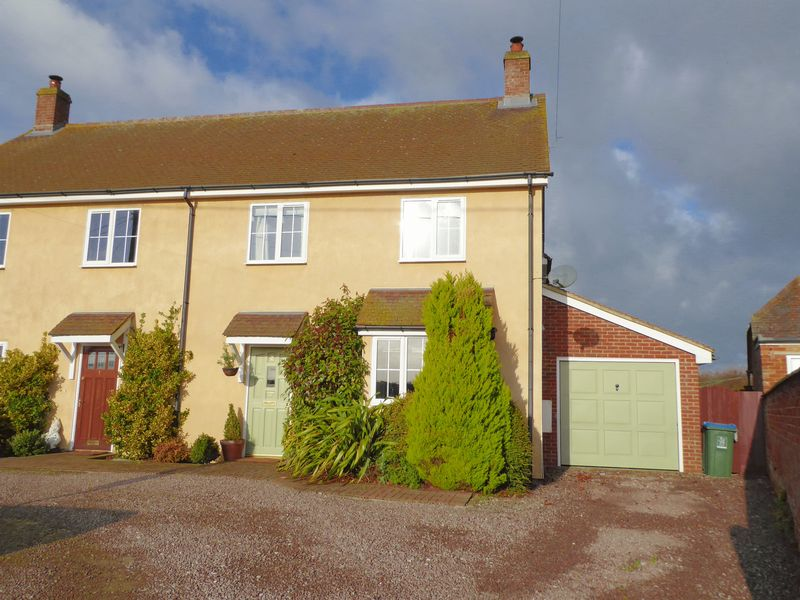 Property for sale in Main Street, Charndon