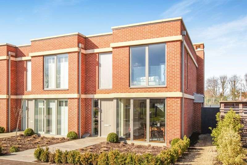 3 Bedrooms House for sale in The Parade, Bicester