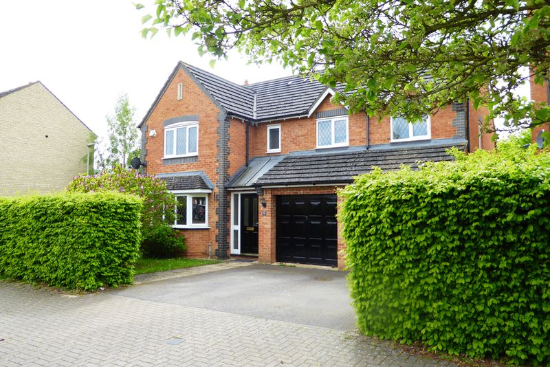 Property for sale in Lucerne Avenue, Bicester