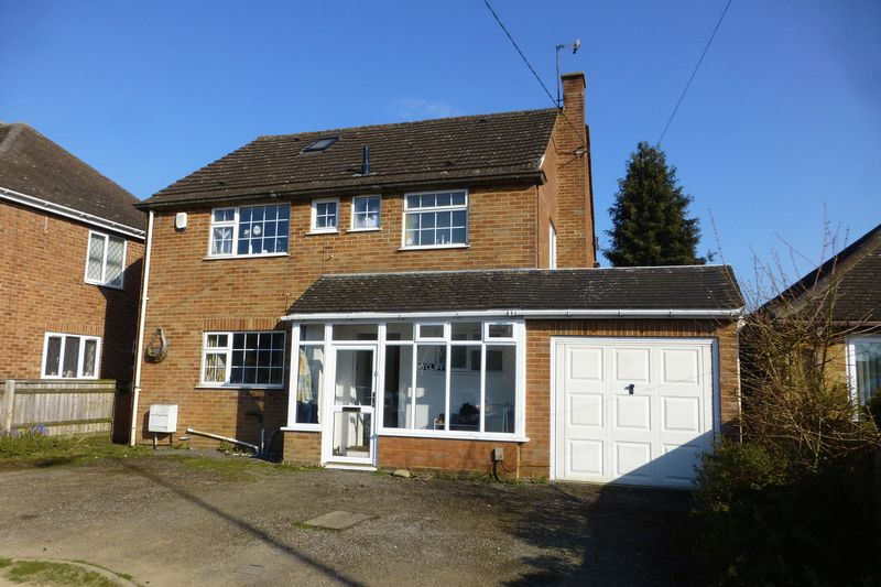 4 Bedrooms Detached House for sale in Buckingham Road, Bicester