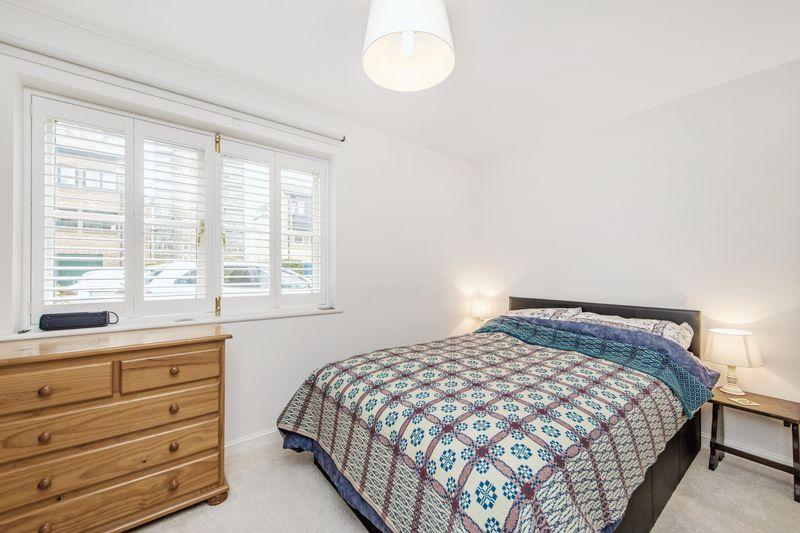 Hertford Lock House 201, Parnell Road