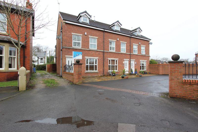 3 Bedrooms Semi Detached House for sale in 32a Park Road, Poulton-Le-Fylde, Lancs FY6 7JD