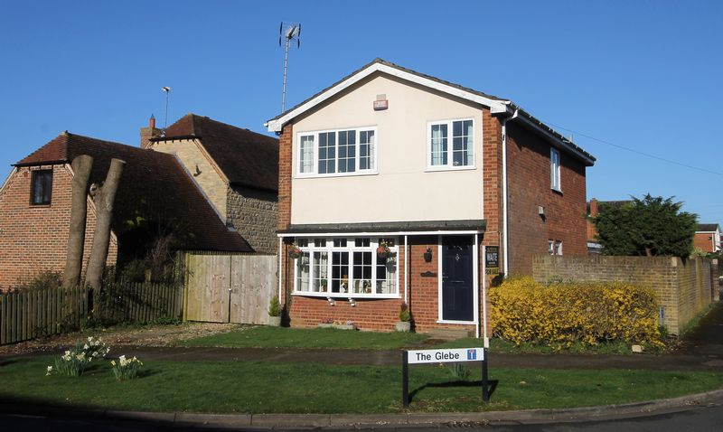 4 Bedrooms Detached House for sale in The Glebe, Lavendon