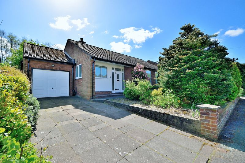2 Bedrooms Bungalow for sale in Cranleigh Close, Stockton Heath, WA4 6SD