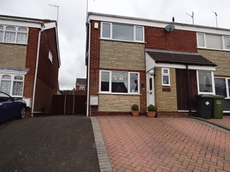 3 Bedrooms Semi Detached House for sale in Mallory Drive, Kidderminster DY11 5DZ
