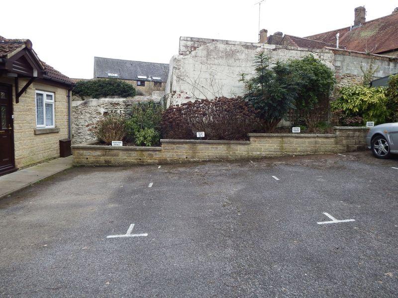 Wyvern Court