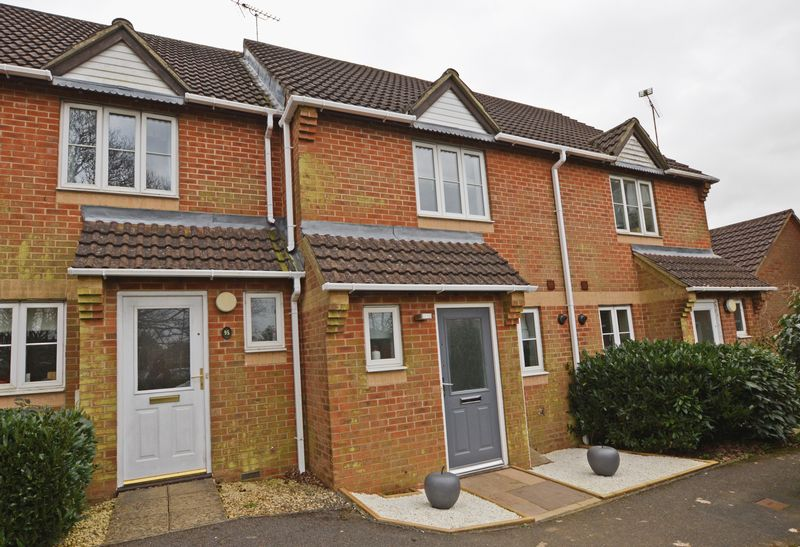 2 Bedrooms Terraced House for sale in Hazel Road, Four Marks, Alton, Hampshire