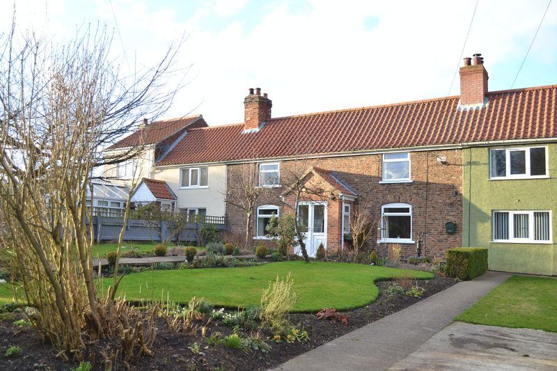 3 Bedrooms Terraced House for sale in Woods Lane, South Killingholme