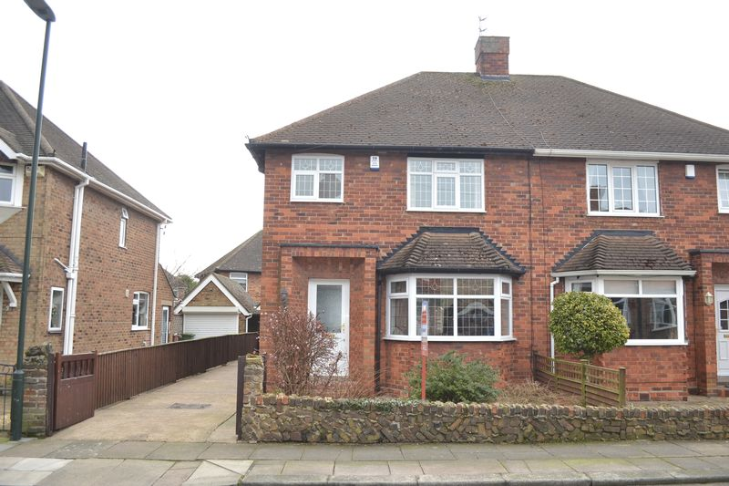 3 Bedrooms Semi Detached House for sale in Westminster Drive, Grimsby