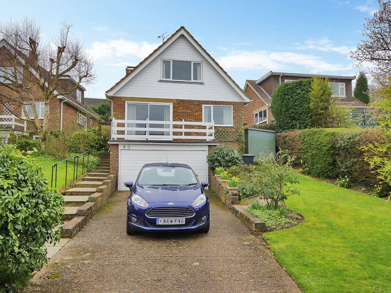3 Bedrooms Bungalow for sale in Marlpit Road, Sharpthorne, West Sussex