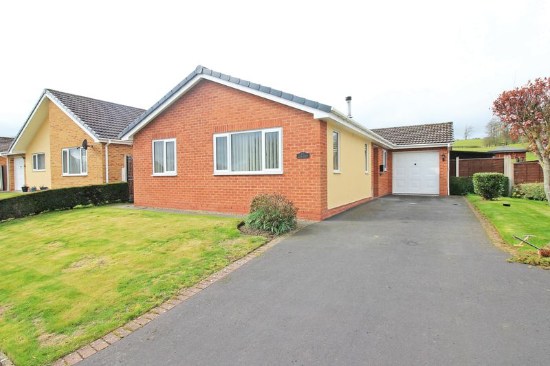 3 Bedrooms Detached Bungalow for sale in Hafod Close, Oswestry