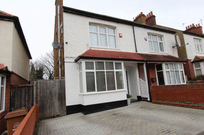 3 Bedrooms Semi Detached House for sale in Cumnor Road, Sutton