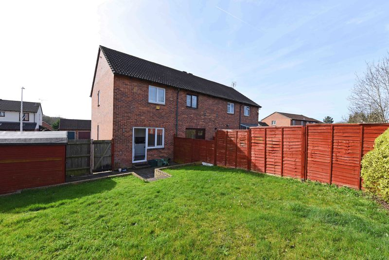 2 Bedrooms House for sale in Viewings available SATURDAY 29th April - Call to BOOK your time!