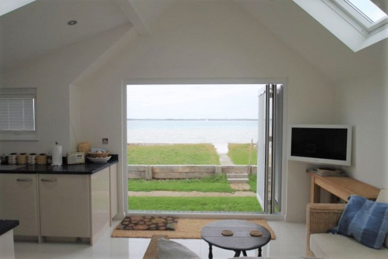 1 Bedroom Detached Bungalow for sale in Beachside Chalets, Marsh Road, Gurnard, Isle of Wight, PO31 8HX