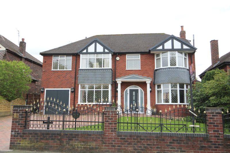 4 Bedrooms Detached House for sale in MAINWAY, Alkrington, Middleton M24 1PP