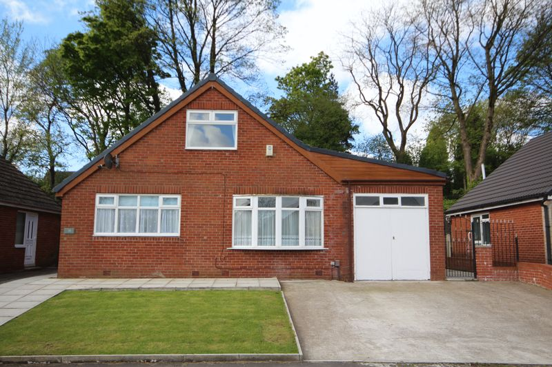 3 Bedrooms Detached House for sale in BIRCHFIELD DRIVE, Marland, Rochdale OL11 4NY