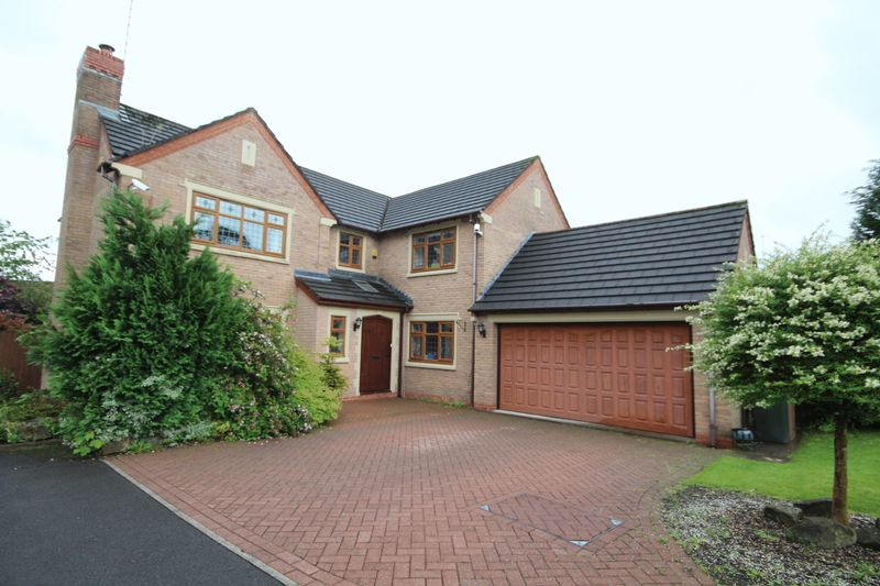 5 Bedrooms Detached House for sale in CROSSMEADOW CLOSE, Norden, Rochdale OL11 5WX