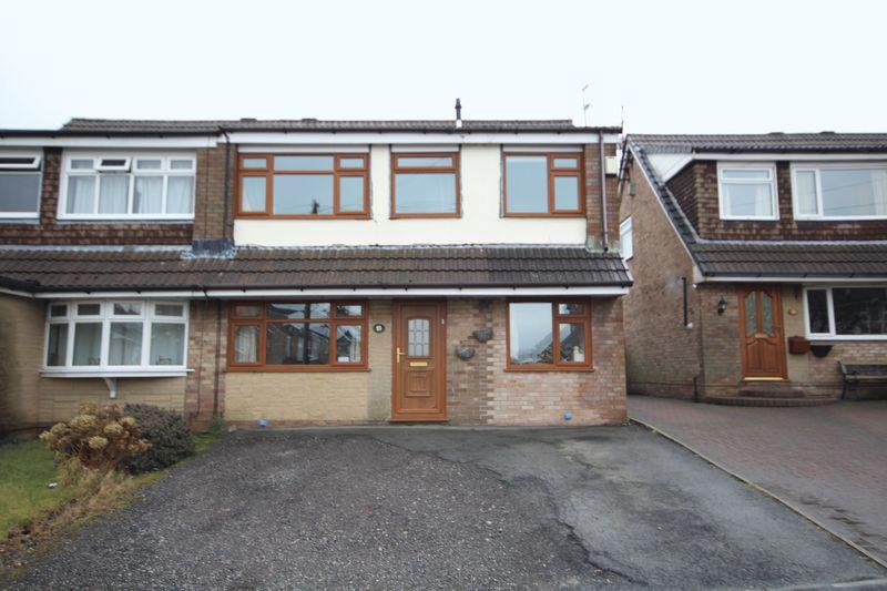 4 Bedrooms Property for sale in Elmsfield Avenue Norden, Rochdale
