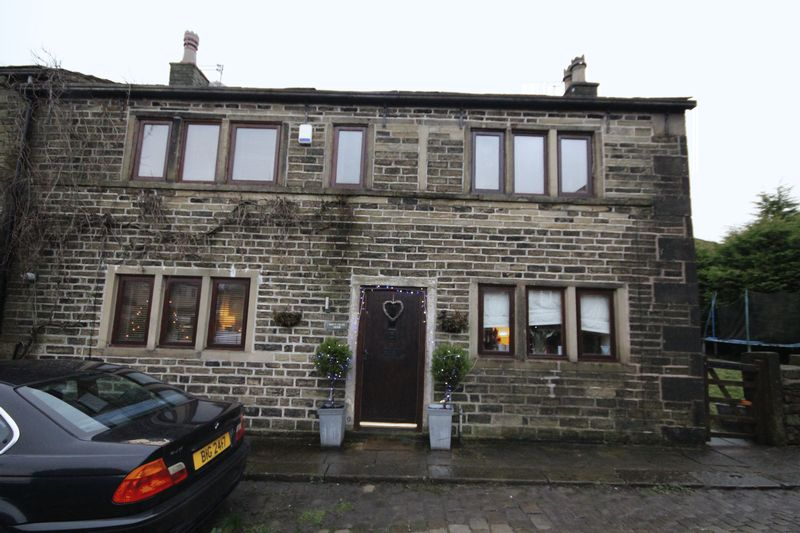 3 Bedrooms Property for sale in Moorhouse Farm Milnrow, Rochdale