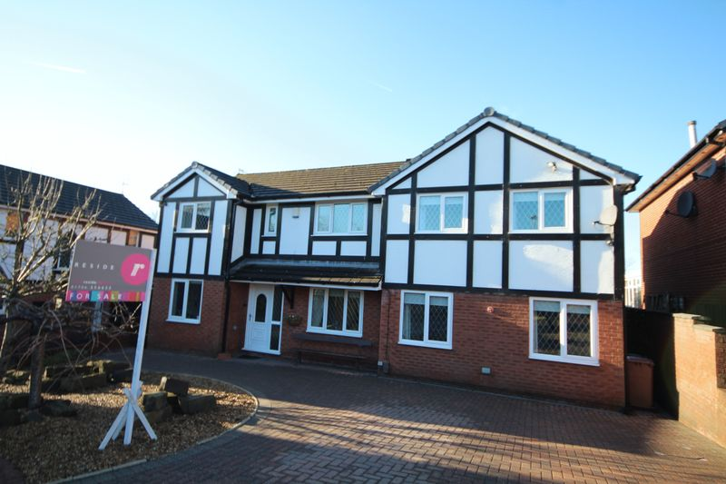 4 Bedrooms Property for sale in Broadlea Grove Shawclough, Rochdale