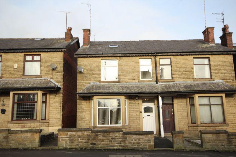4 Bedrooms Property for sale in Edenfield Road Passmonds, Rochdale