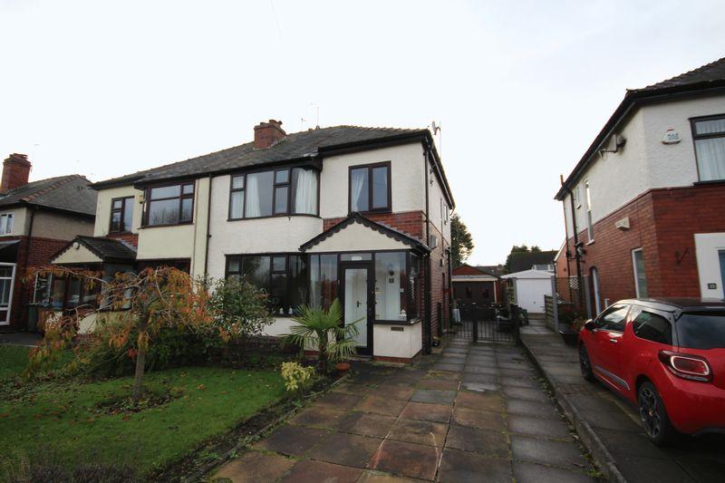 3 Bedrooms Property for sale in Elbut Lane Birtle, Bury