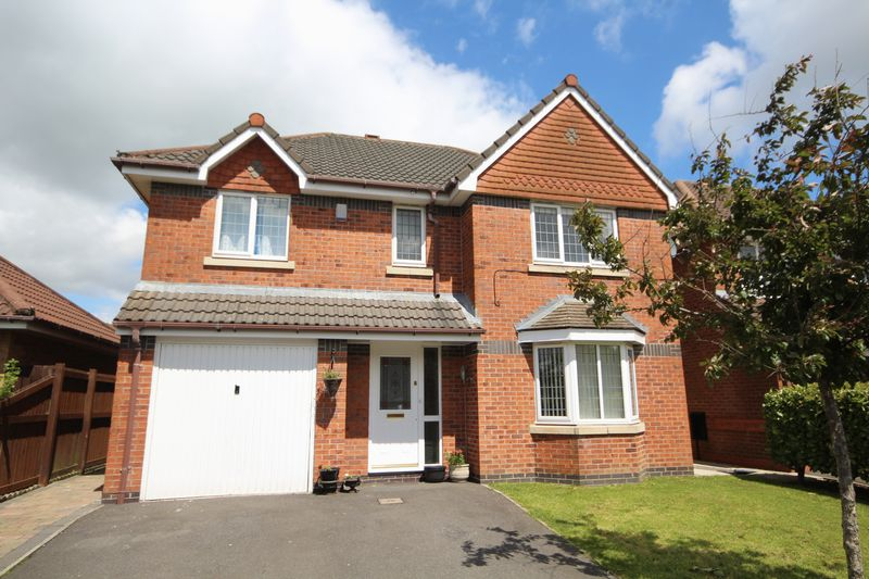 4 Bedrooms Property for sale in Pipers Close Norden, Rochdale