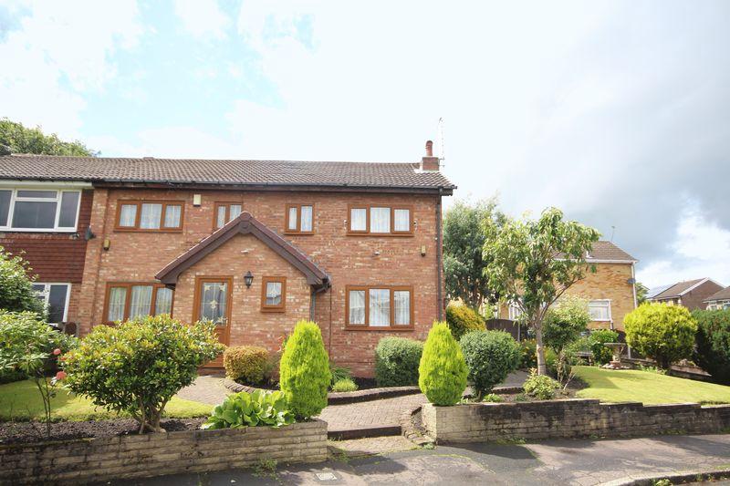 4 Bedrooms Property for sale in Shelfield Lane Norden, Rochdale