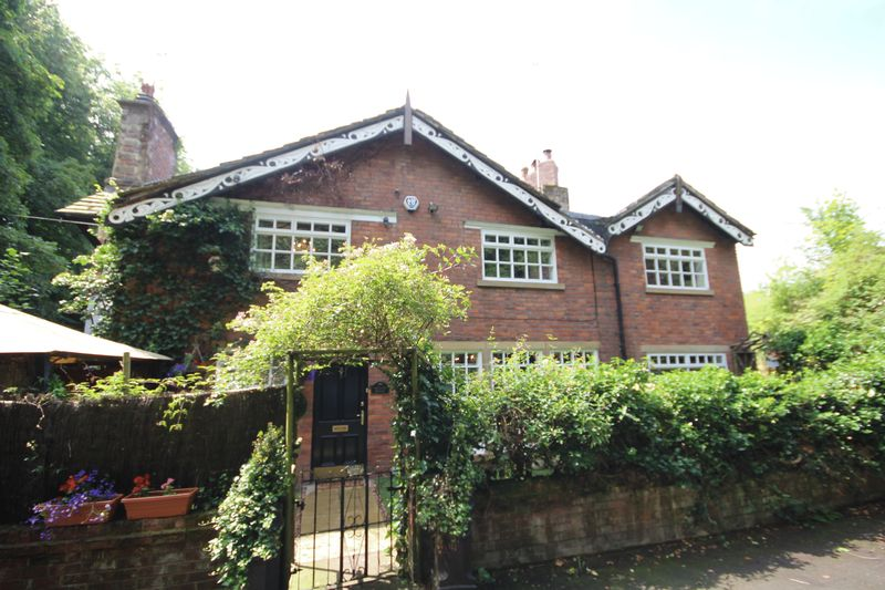3 Bedrooms Property for sale in Heywood Old Road, Heywood