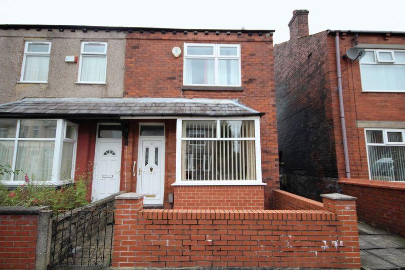 3 Bedrooms Property for sale in Buersil Avenue Buersil, Rochdale