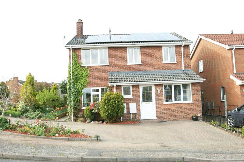 4 Bedrooms Detached House for sale in Kings Meadow, Rainworth