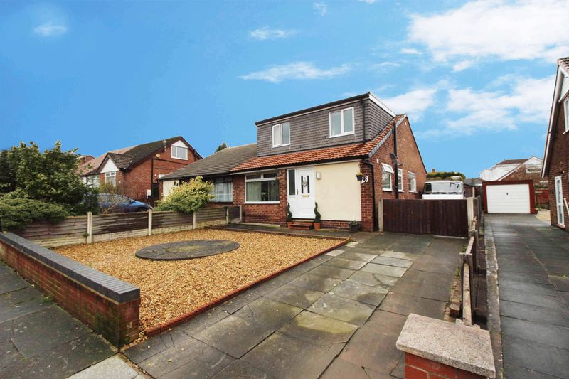 4 Bedrooms Semi Detached House for sale in Oxford Road, Orrell, Wigan