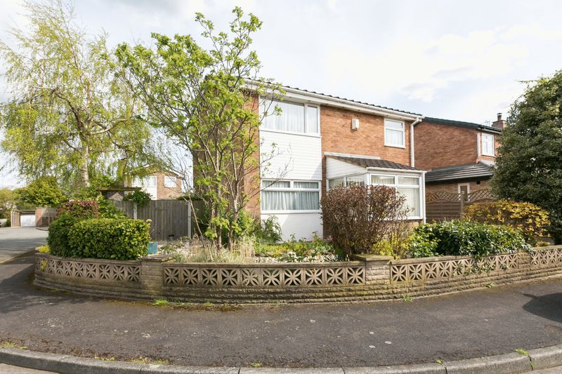 3 Bedrooms Detached House for sale in Pine Close, Newburgh, WN8 7LD