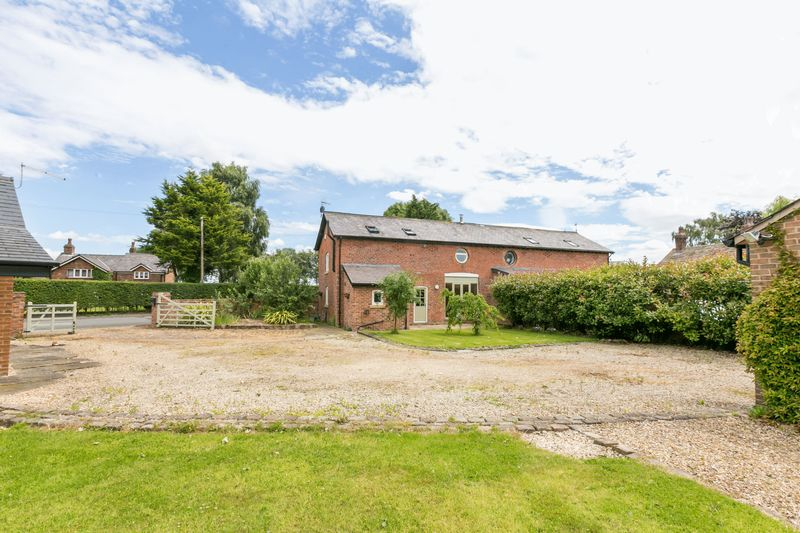 3 Bedrooms Semi Detached House for sale in The Stables, Cross Farm, Liverpool Old Road, Tarleton, PR4 6HR