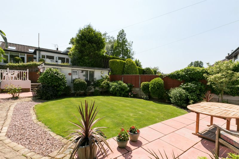3 Bedrooms Bungalow for sale in Chorley Road, Parbold, WN8 7BA